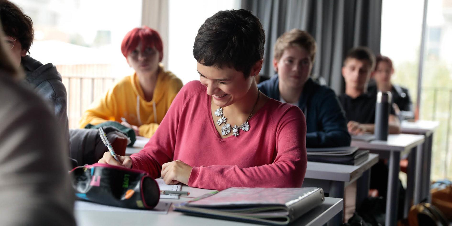 étudiantes esma nantes en cours