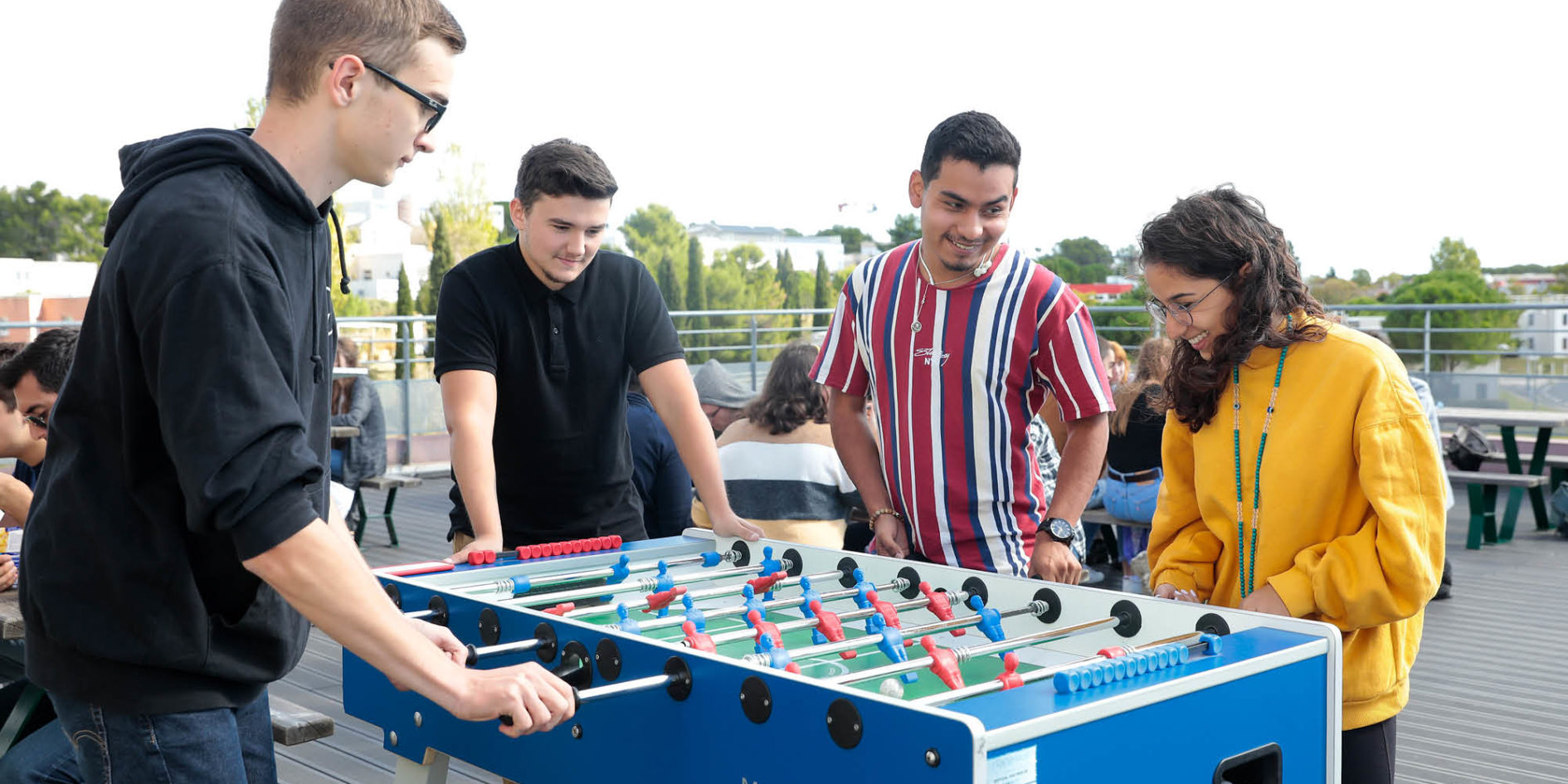 étudiants au babyfoot