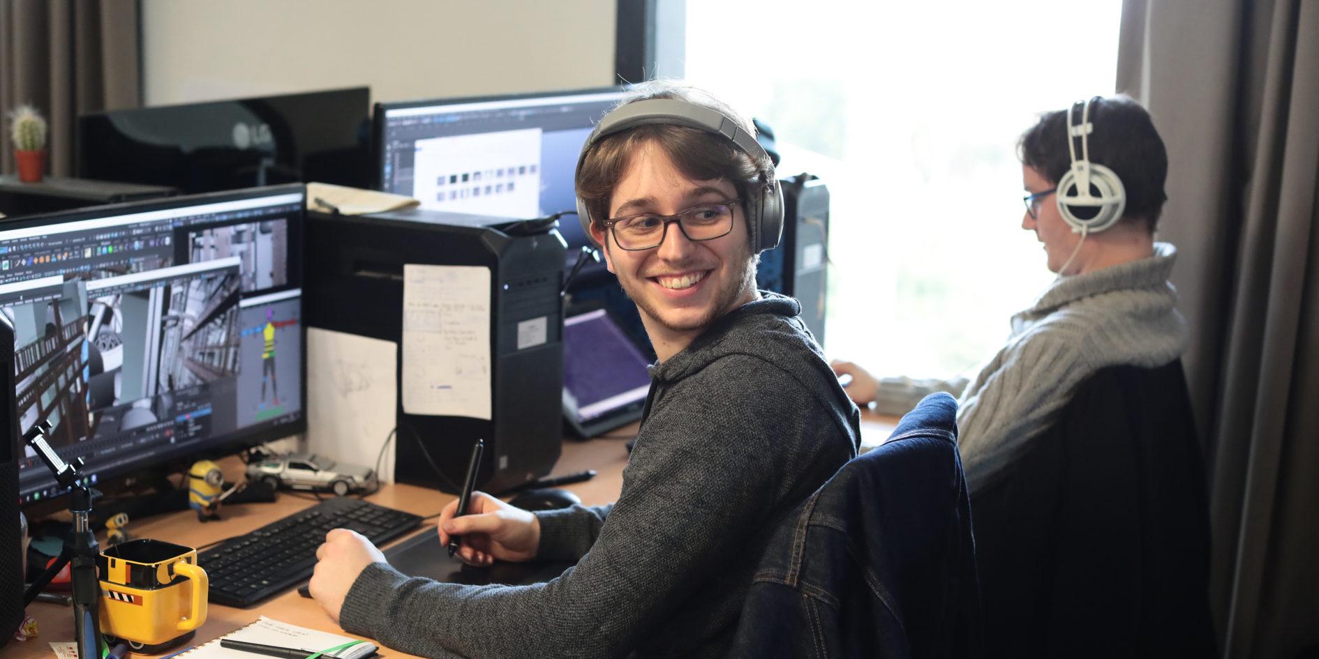 Etudiants en salle informatique ESMA Toulouse