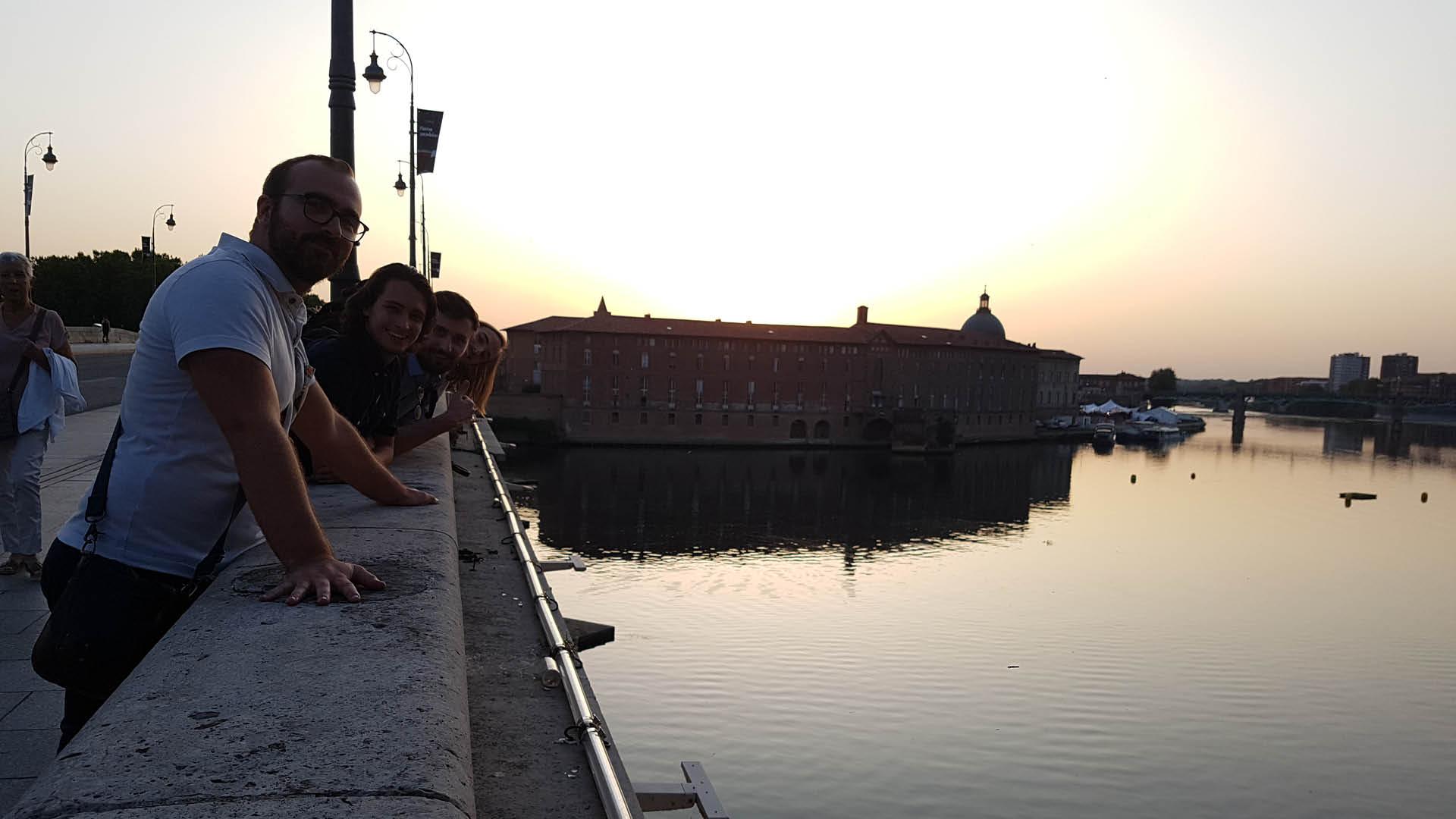 Etudiants de l'ESMA sur la Garonne à Toulouse
